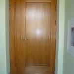 Derevjannye-nakladki-na-metallicheskie-dveri