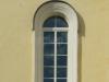 Derevjannoe-okno-s-rassteklovkoj