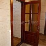 Деревянные двери для дома