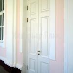 Нестандартнный дверной блок с окраской