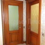 Дверь из массива дуба со стеклом