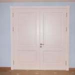Нестандартные двери белого цвета