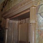 Декоративное оформление дверного блока из массива дуба