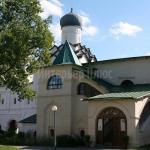 Трапезная палата Тихвинского монастыря