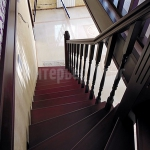 Лестница из сосны. Частный дом