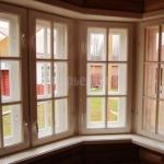 Деревянное окно по индивидуальному проекту