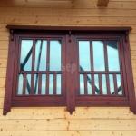 Деревянное окно со стеклопакетом