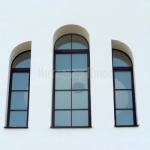 Окна с накладной расстекловкой.