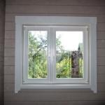 Деревянное окно со стеклопакетом индивидуального производства.