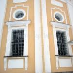 Деревянные фасадные окна.