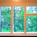 Деревянное окно в квартиру
