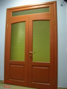 Дверь на заказ из массива