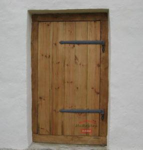 Щитовая дверь из массива