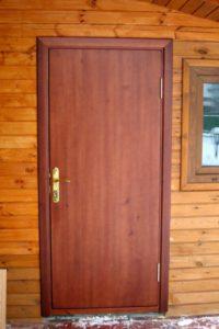 Деревянная дверь для дома на заказ
