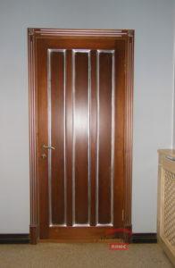 Оригинальное оформление двери