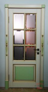 Оригинальная дверь из массива на заказ